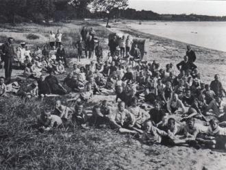 Kinder Ostseestrand 1919